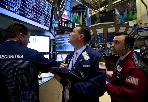Stocks Rise as Dollar Weakens